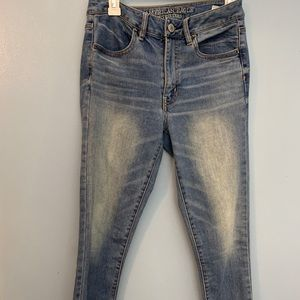 American Eagle Super High Waisted Skinny jean. 6.